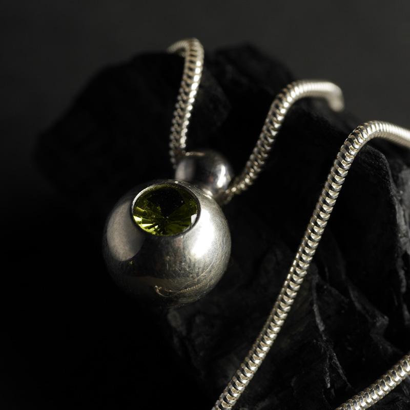 (17140) Silberkugel mit Peridot
