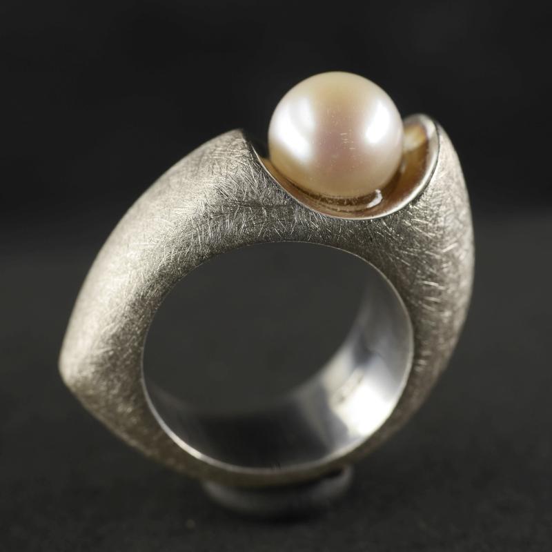 (16005) Perlenring Venus