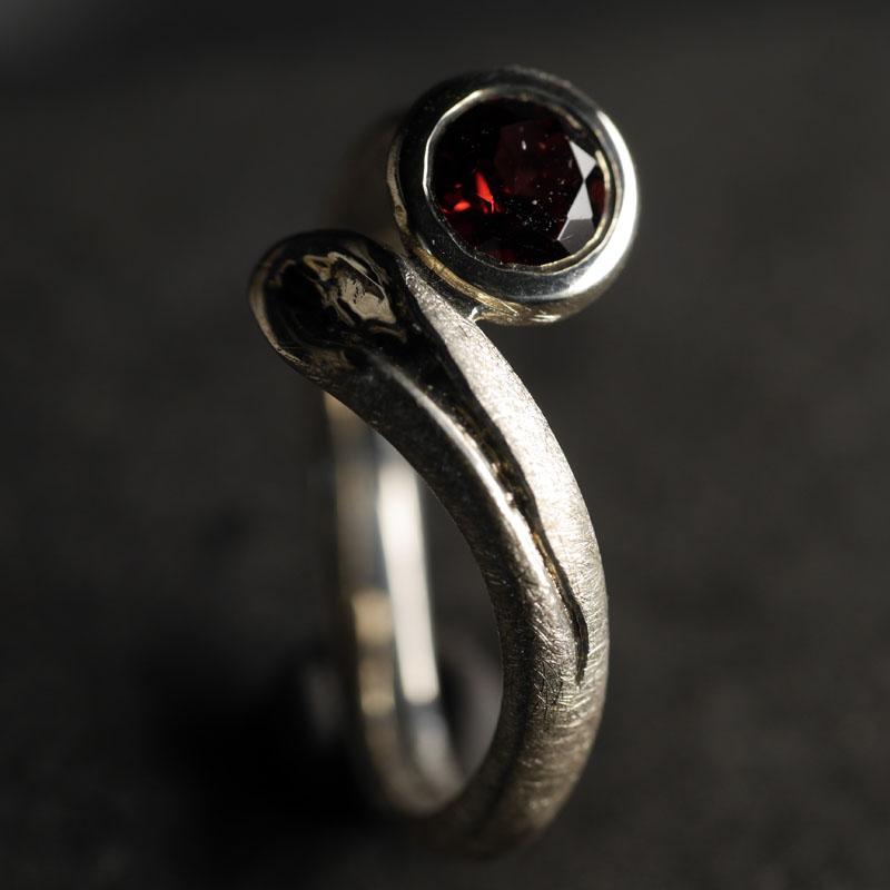 (16012) Silberring Swing Rhodolith